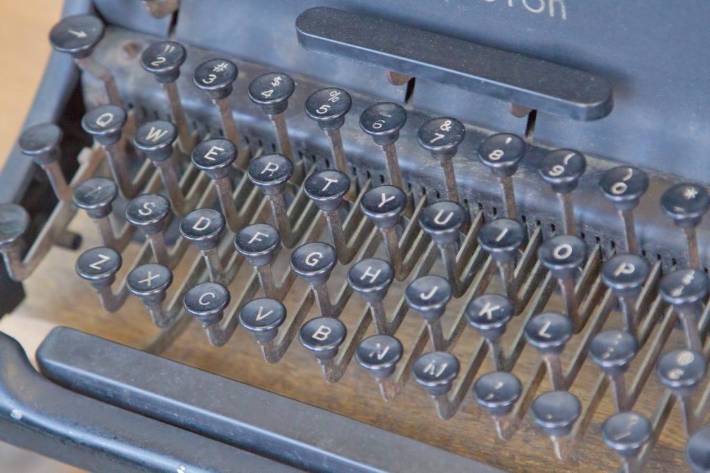 n112_typewriter_tp_v